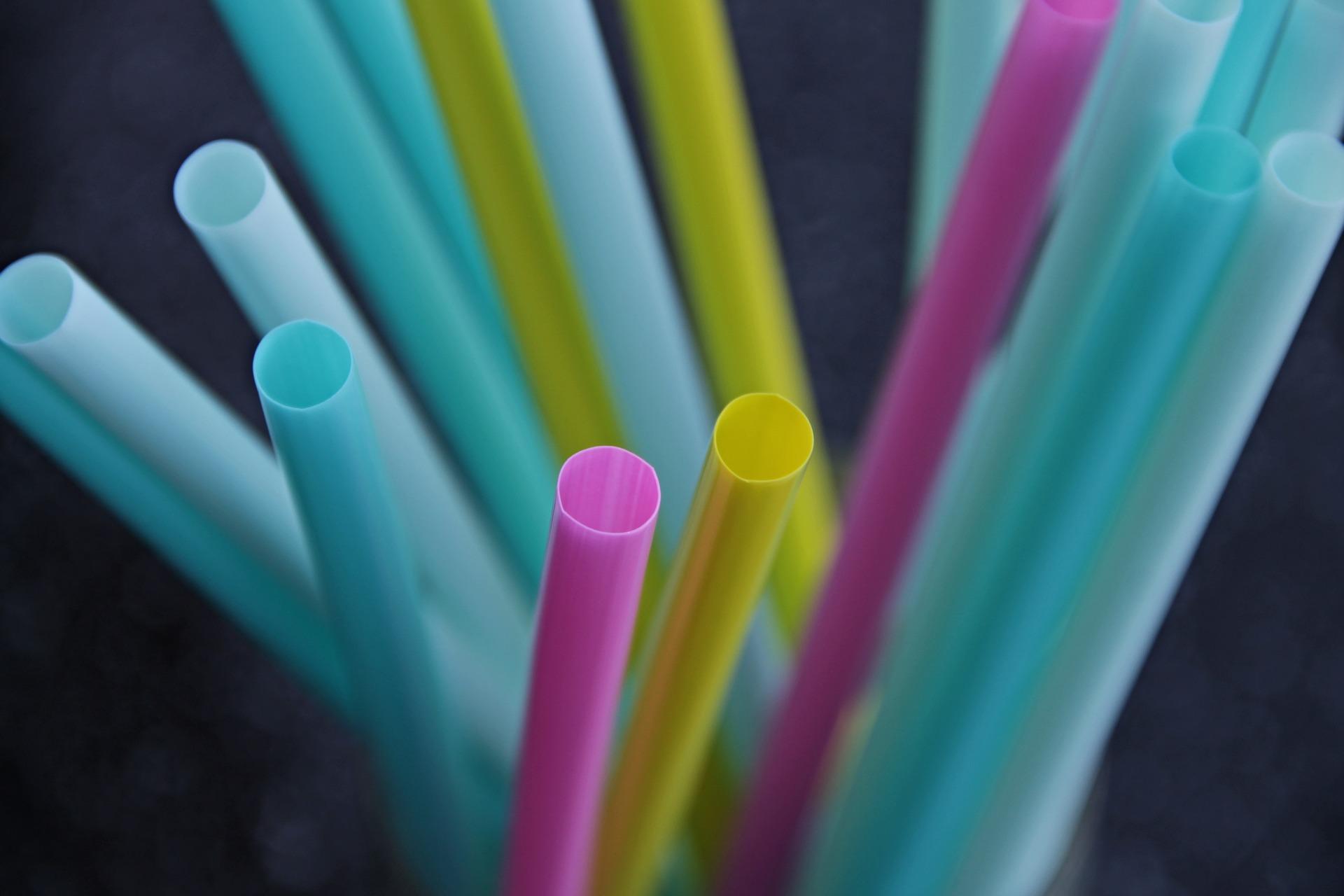 straws-3193715_1920