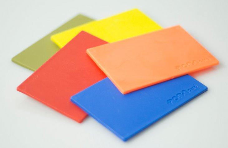 FORMcard-bioplastic_Peter-Marigold_Kickstarter_dezeen_936_17