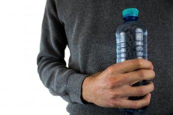water-bottle-2821977_1280