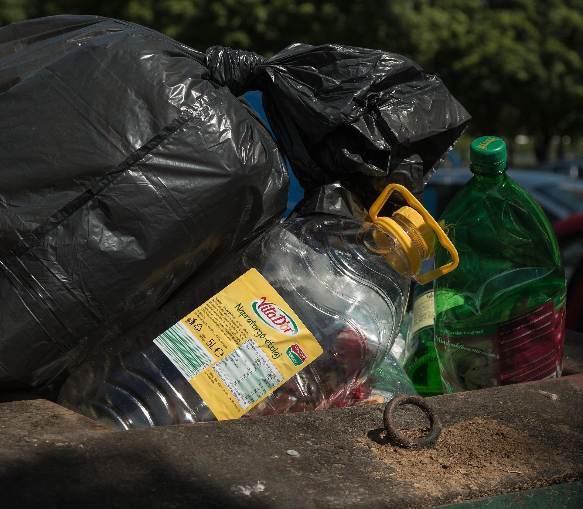 plastic-waste-3692513_1920