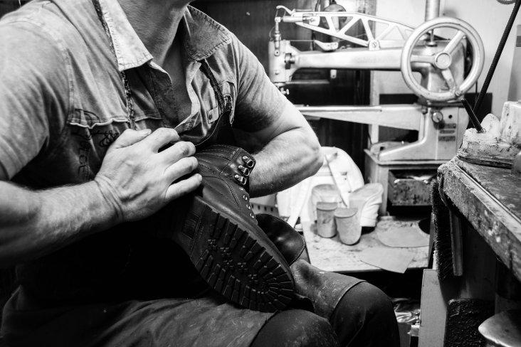 shoe-repair-3544334_1920
