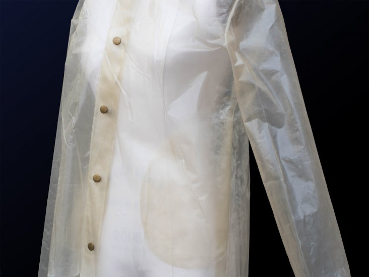 charlotte-mccurdy-bioplastic-raincoat-design_dezeen_2364_col_3