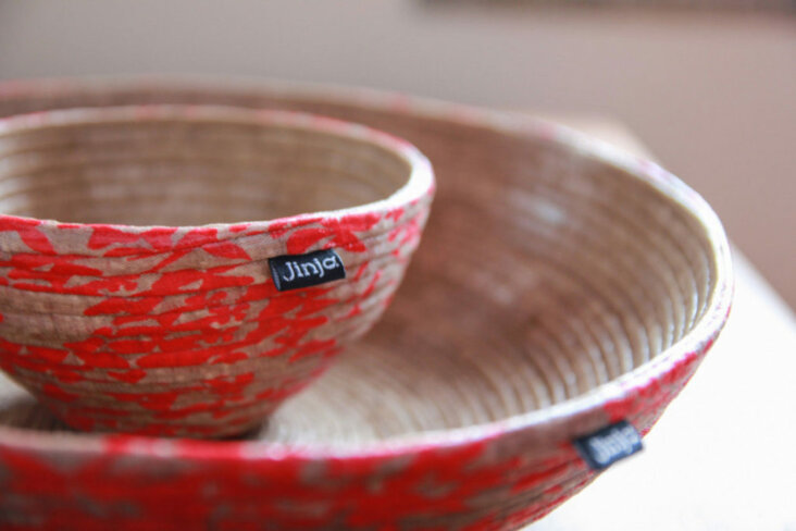 bowls-orient-flowers-detail-2014-1024x683