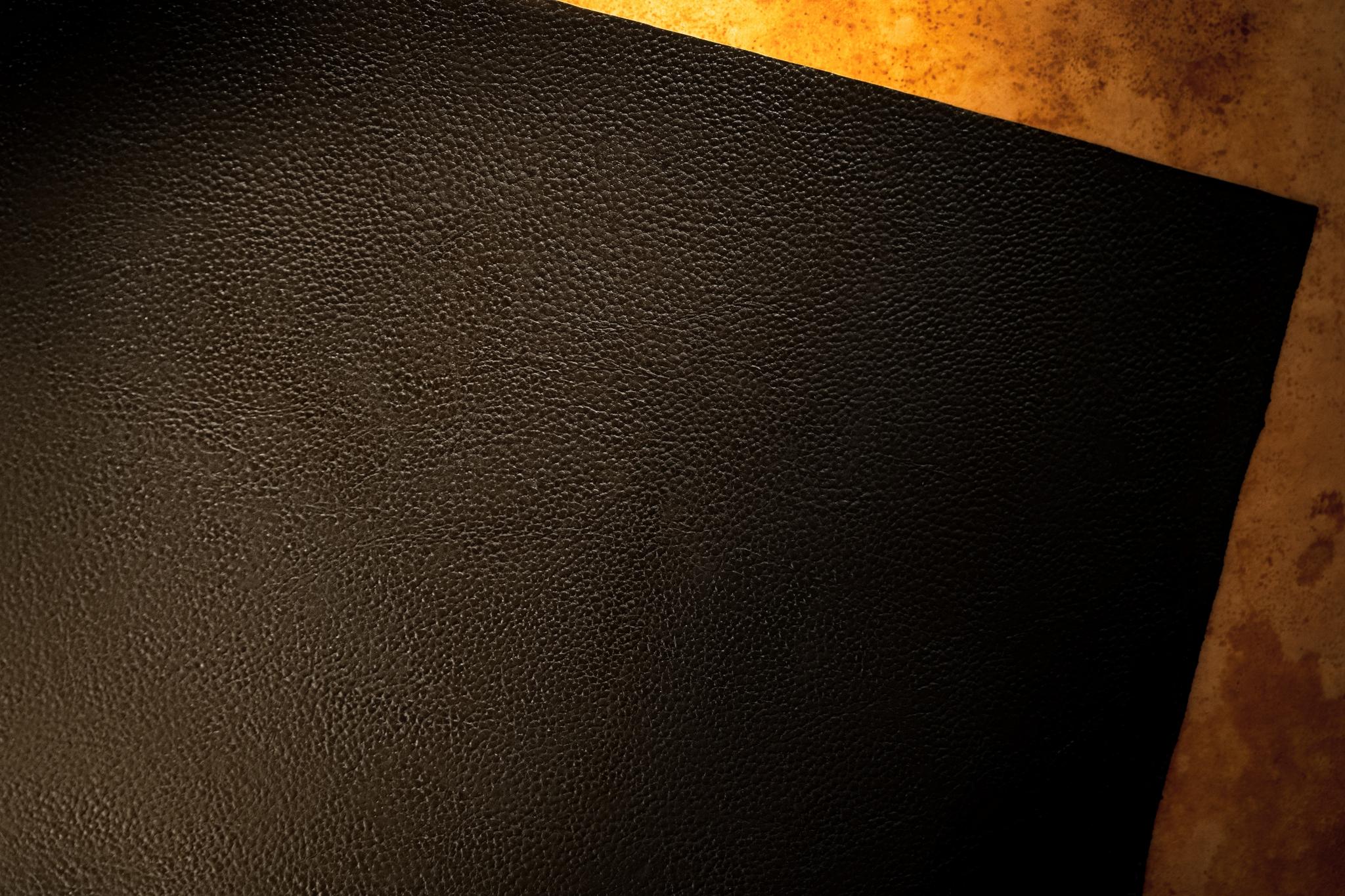 Black-2048x1365
